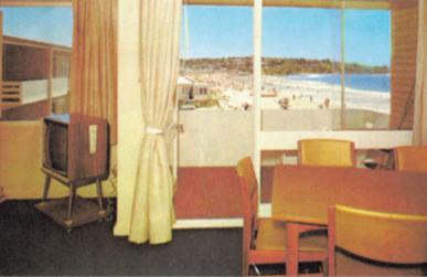 Pandanus Court vintage interior